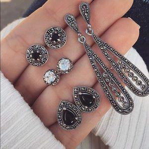 Set of 4 pairs of earrings